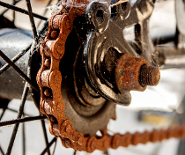 rusty bicycle chain